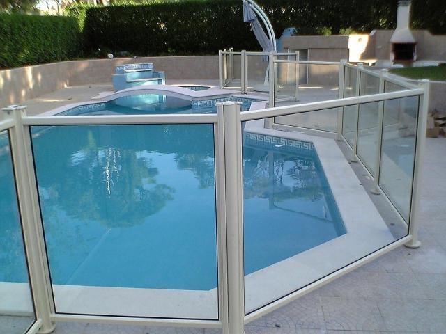 Mfc veda es piscina for Piscina de acrilico